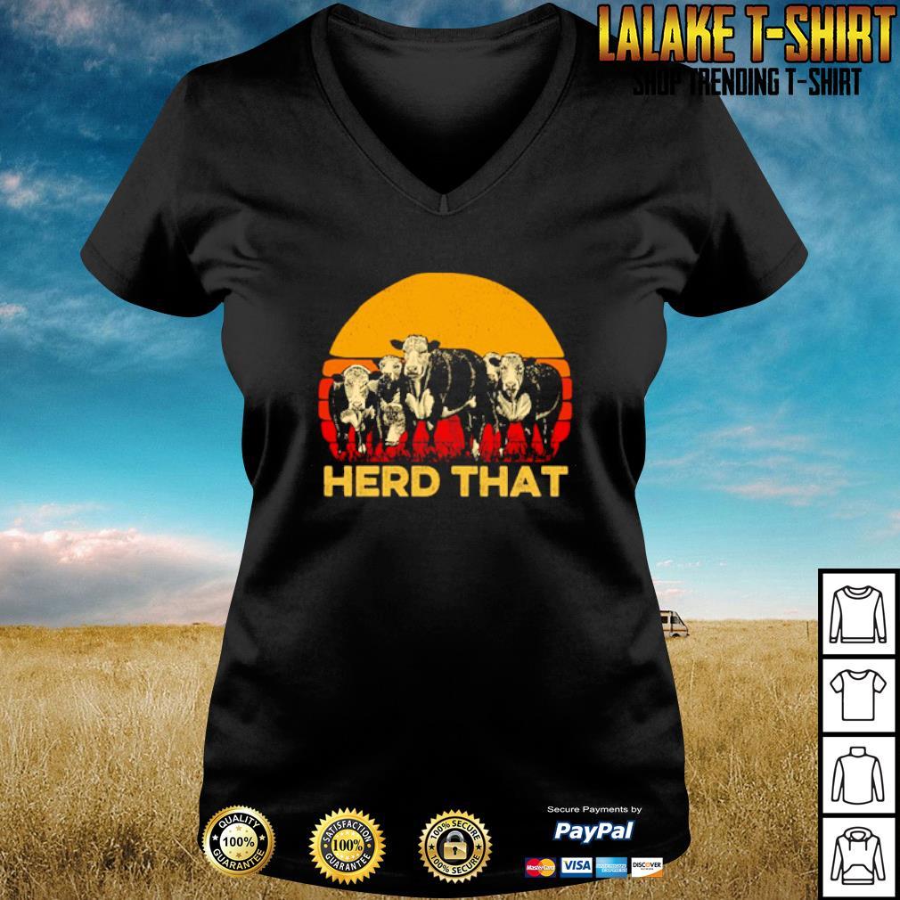 Vintage cow herd that s v-neck-t-shirt